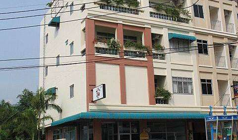 guesthouses and backpackers accommodation in Patong Beach, Thailand