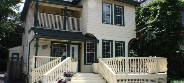 Ellis House Bed and Breakfast, Niagara Falls, Ontario