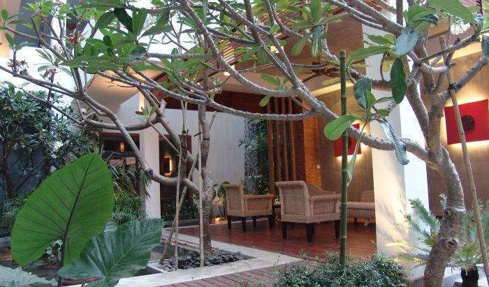 Reserve hotels in Tuol Tumpung