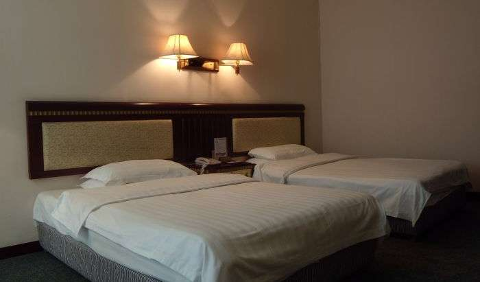 book hotels and hostels now with IWBmob in Guilin, China