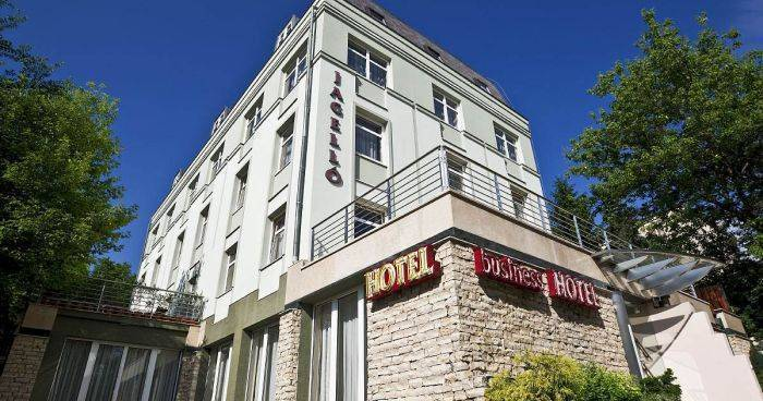 hotel reservations in Budaors