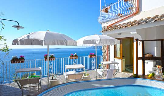 Hotels and hostels in Positano