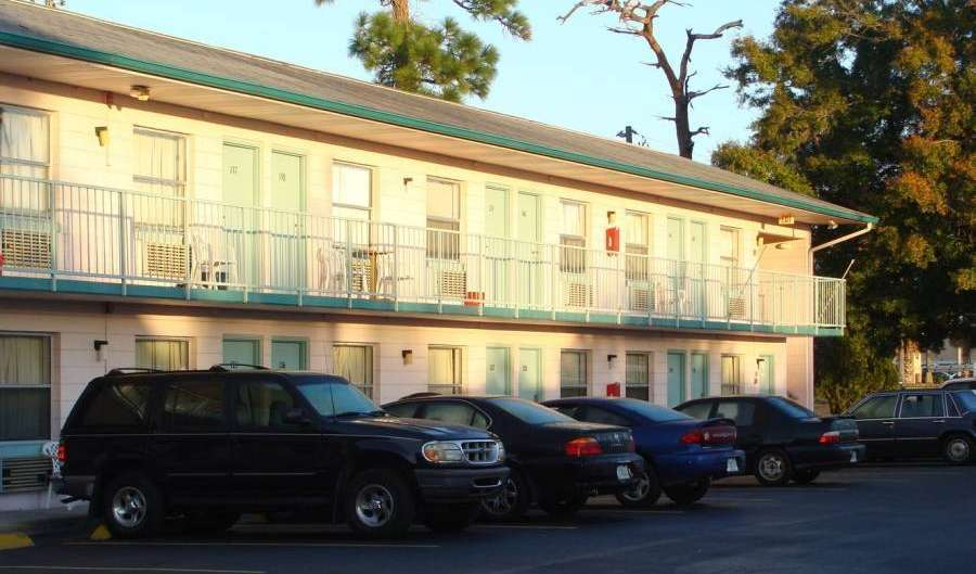 Book hotels and hostels now in Kissimmee