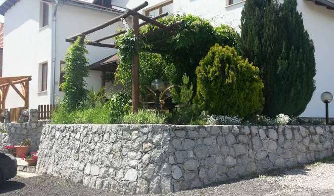 Search availability for the best hotels in Rakovica