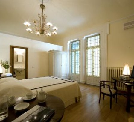 Soggiorno Rondinelli, bed and breakfast in Florence, cheap ...