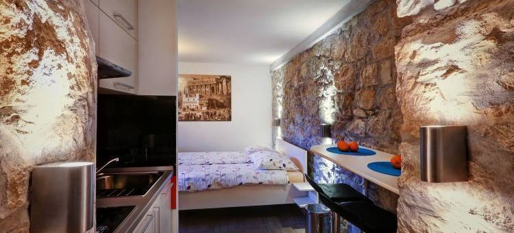 Veli Varos Apartments and Rooms, Split, Croatia